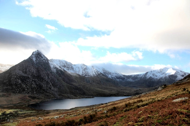 (L to R) Tryfan, the Glyderau and Y Garn, seen from near Pen yr Ole Wen (JB)
