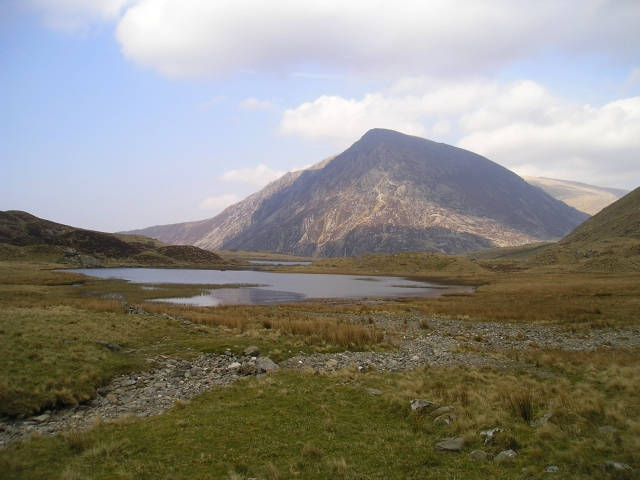 Pen yr Ole Wen in summer, seen from Llyn Idwal near Ogwen