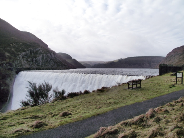 Another view of the Caban Coch dam pretending to be Niagara Falls