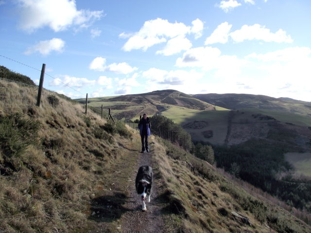 Looking back along the path to Moel Arthur ….