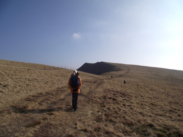 Onwards towards Foel Gron