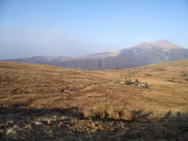 The ruins at Brithdir, with Elidir Fawr behind in the distance