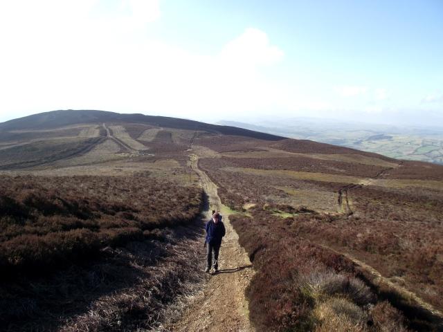 Heading up the final slopes of Moel Morfydd