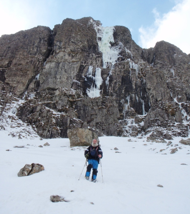 Impressive ice falls above John on the descent from Twll Du (TS)