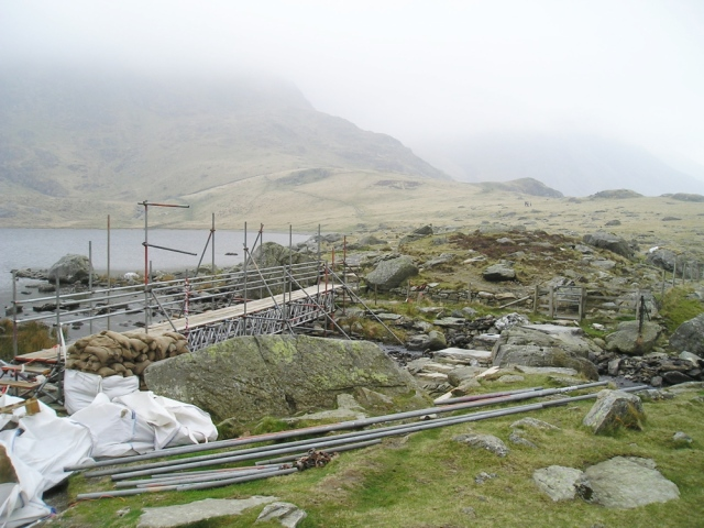 The bridge at Llyn Idwal under reconstruction in 2009