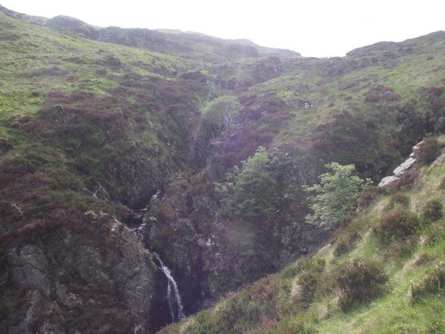 Cascade in the descent valley