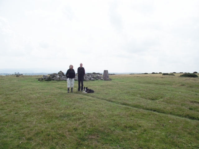 The lassies on the summit – Barbara, Chris and 'Mist'