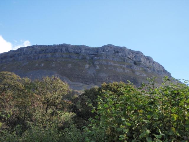 More limestone cliffs