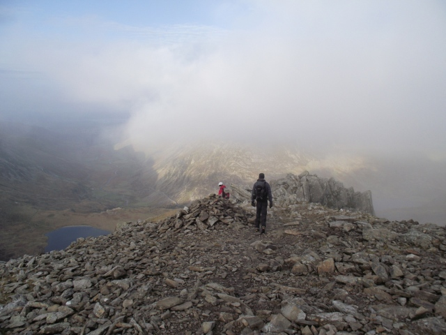 The start of the descent of Y Gribin