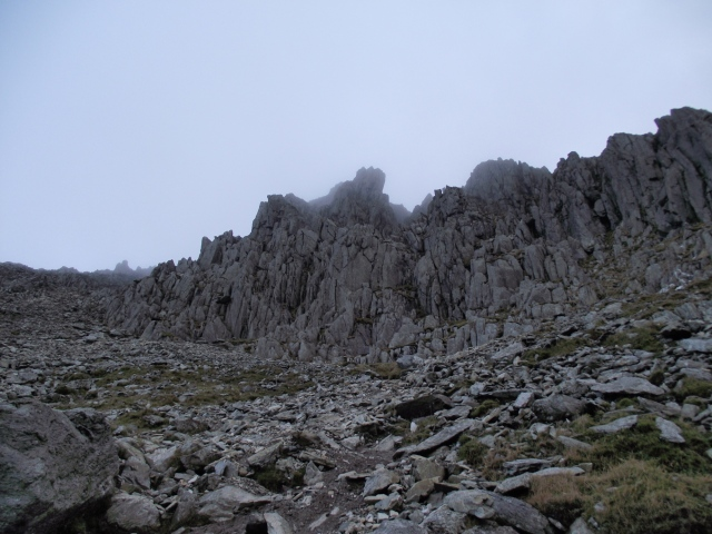 Looking back up our descent route alongside 'Bristly Ridge' ....