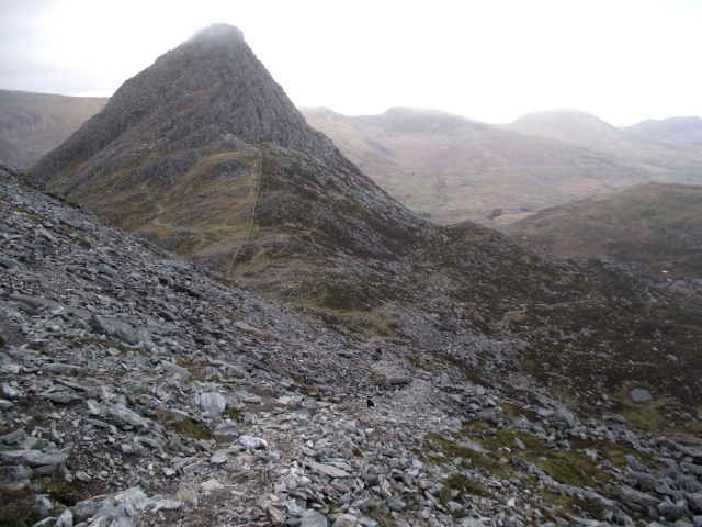 .... and looking down to Bwlch Tryfan