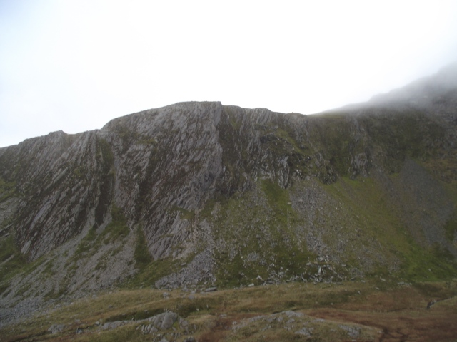 Full frontal view of 'Cneifion Arête'