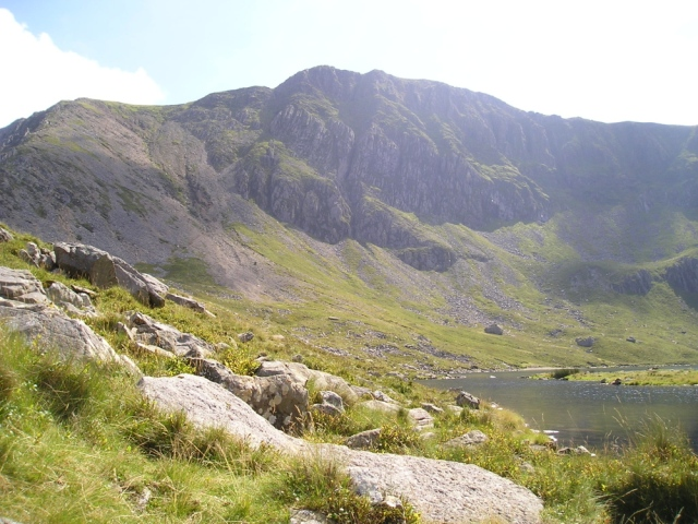 Looking towards the summit from Llyn y Gadair