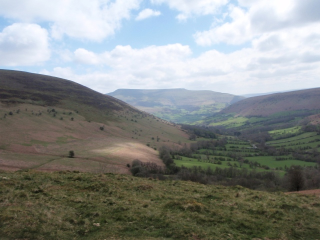 The valley of Cwm Sorgwm with Pen Allt Mawr beyond