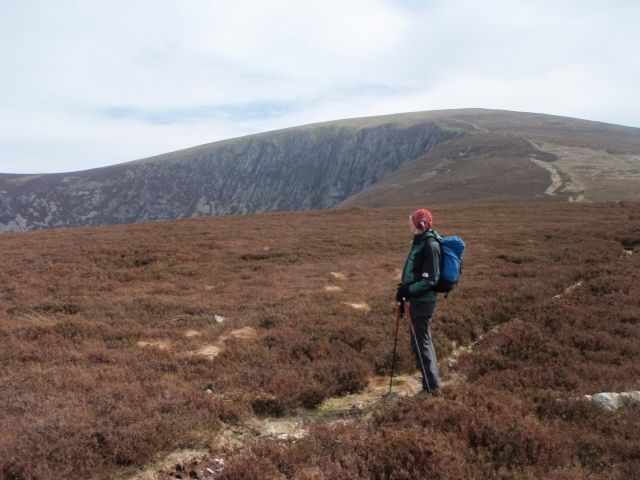 Looking back to the descent route and Craig Cwm Du