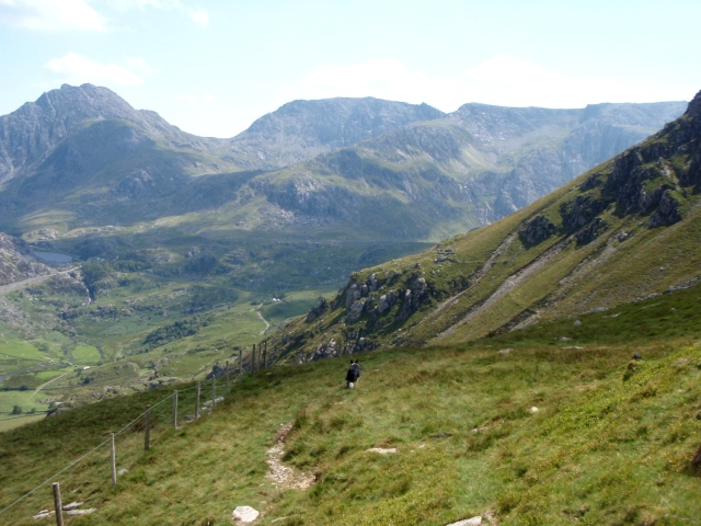 The start of the high level path back to Ogwen, with Nant Ffrancon below