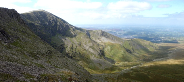 Side view of the route up Carnedd Dafydd looking west