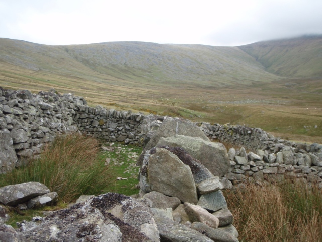 Old sheepfold by Afon Caseg, with my valley route stretching out ahead