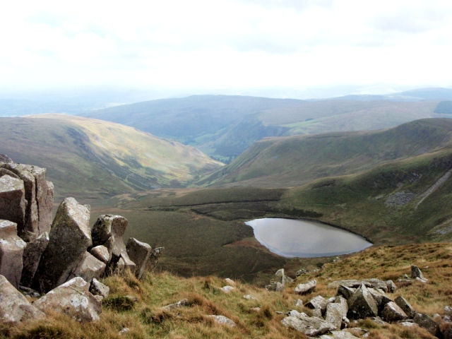 The view down to Llyn Lluncaws