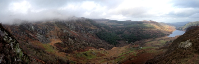 Llyn Crafnant and Allt Goch from the summit path of Crimpiau