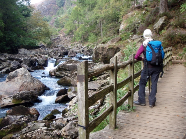The 'Fisherman's Walk' alongside the Afon Glaslyn