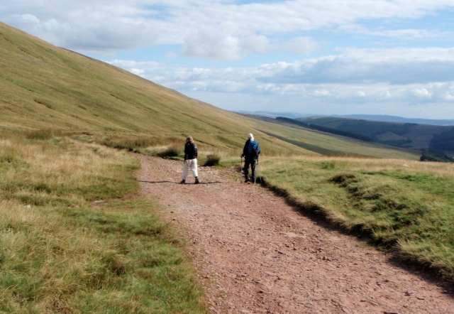 Heading back towards the Neuadd Reservoirs