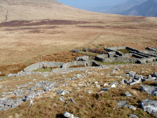 Sheepfolds just below Gyrn – a good place for lunch