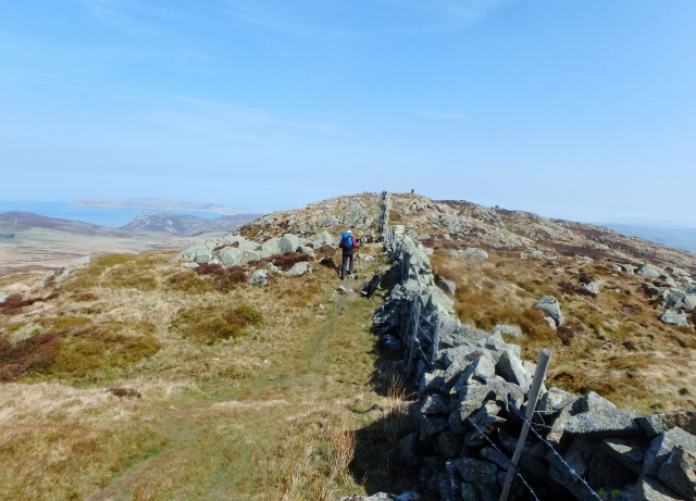 The final few metres to the summit ….
