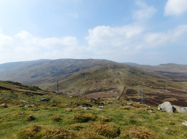 …. and on (looking back towards Drosgl in the centre)