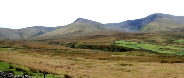 Just after setting out – Yr Elen (centre) and Carnedd Dafydd (right)