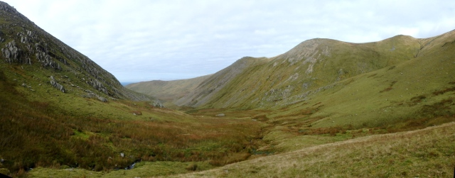 The view looking back down the Afon Caseg ….