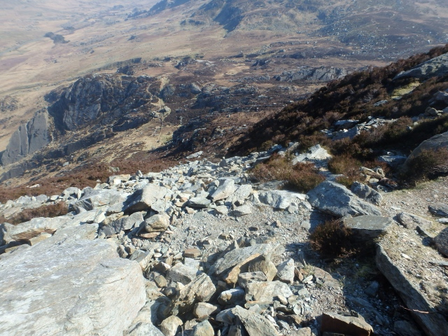 The view down from Heather Terrace towards Tryfan Bach (Little Tryfan)