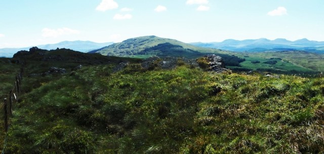 Rhobell Fawr from the ridge of Dduallt (Distant hills – Cadair Idris left and the Rhinogs right)