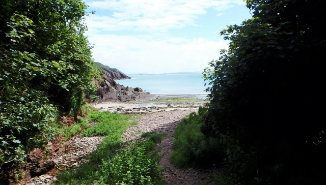 The access point to Castlebeach Bay from the Pembrokeshire Coastal path