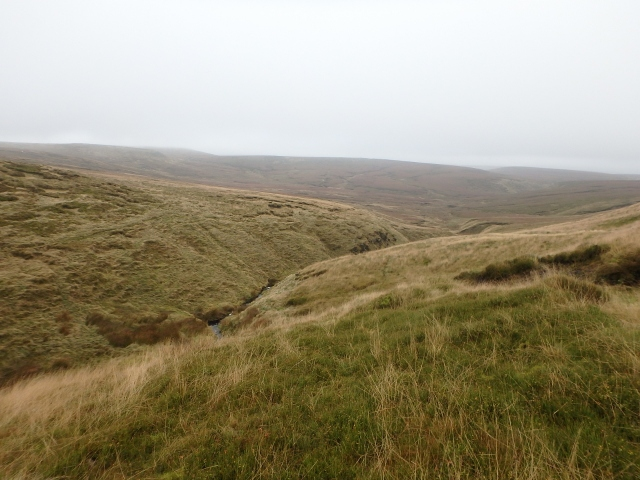 Looking east, down to Hern Clough, the visibility not too bad ….