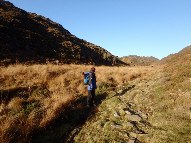 Looking back at the start of the descent down Cwm Bychan