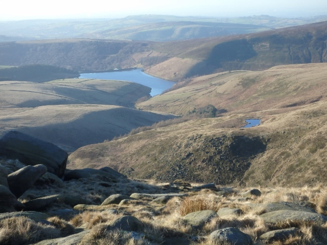 Kinder Reservoir in the distance and the 'Mermaid's Pool' just right of centre